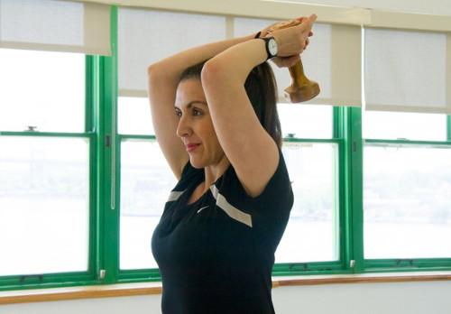 brațele subțiri în jos în timpul sarcinii